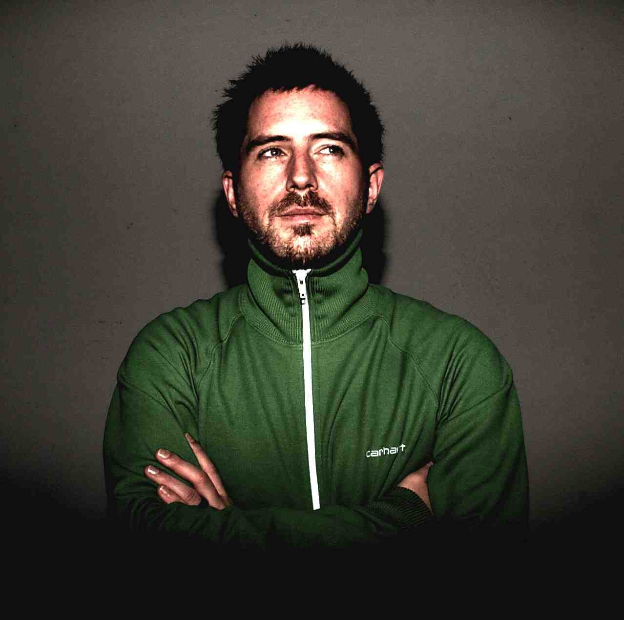 Aaron Bingle.. : Deja-Tunes